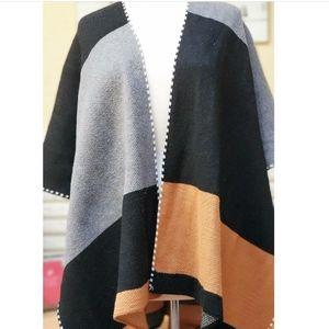 Jackets & Blazers - Colorblock Poncho